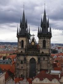 Tyn kyrkan i Prag. Här vilar Tycho i väntan på uppståndelsen.